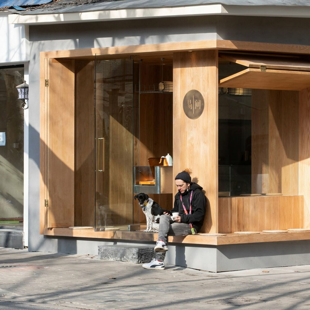 A Cafe In Shanghai Combines A Stripped Down Aesthetic 06