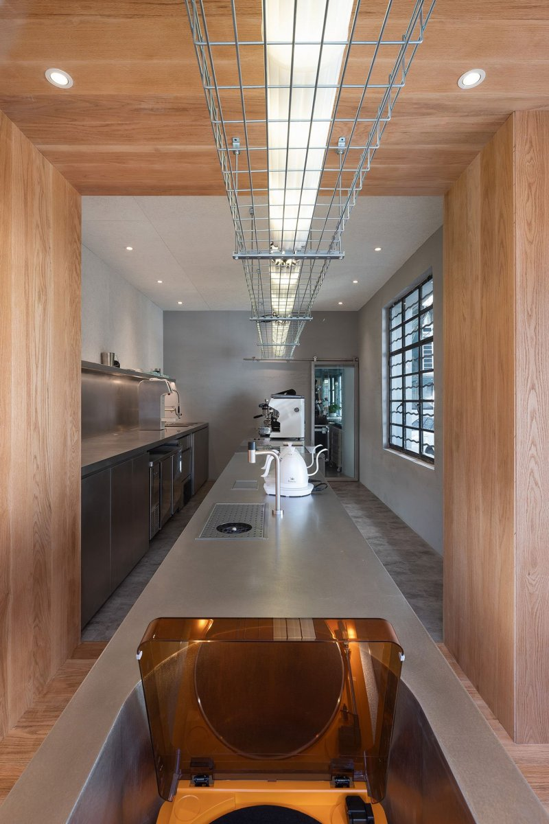 A-Cafe-in-Shanghai-Combines-a-Stripped-Down-Aesthetic-14