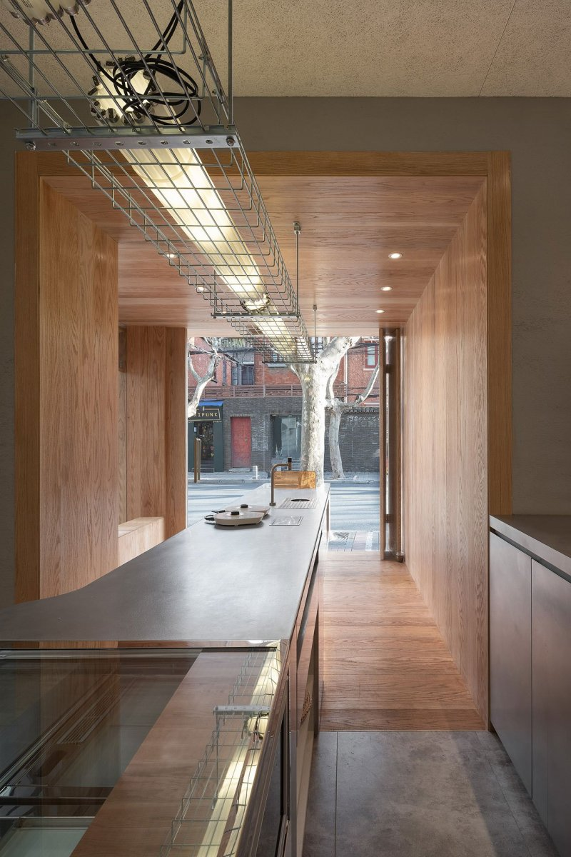 A-Cafe-in-Shanghai-Combines-a-Stripped-Down-Aesthetic-18