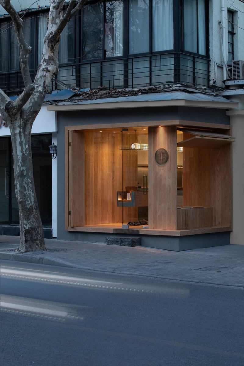 A-Cafe-in-Shanghai-Combines-a-Stripped-Down-Aesthetic-23