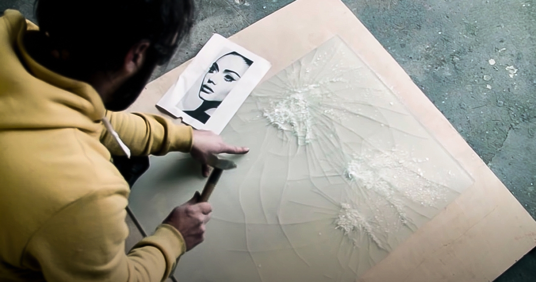 Shattered-Glass-Portraits-by-Simon-Berger-18