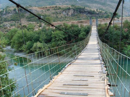 Hussaini Bridge (Passu, Pakistan)